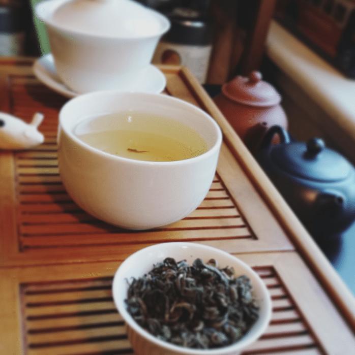 Green curls green tea brewed