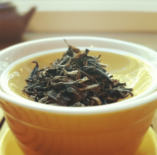 canadian-oolong-leaves